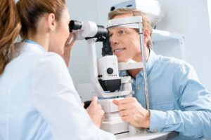 Cataratas-síntomas-causas-y-tratamientos